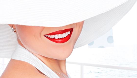 УЗ-чистка, фторирование и полировка зубов в клинике «Хороший стоматолог». Скидка 70%