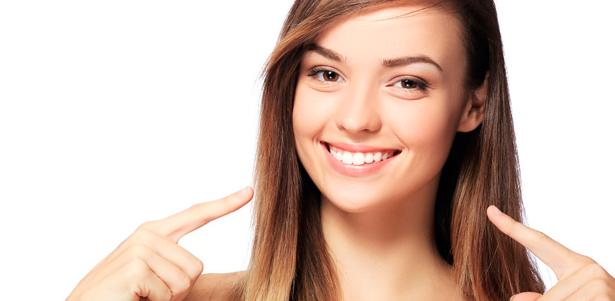 Скидка 70% на УЗ-чистку, фторирование и полировку зубов в клинике «Хороший стоматолог»