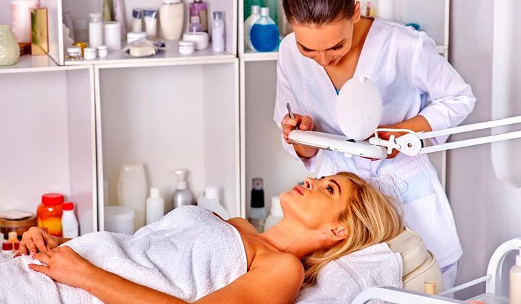 Скидка до 81% на безынъекционную мезотерапию и биоревитализацию, дезинкрустацию, чистку и пилинг лица на выбор в косметологическом центре «Танзания»
