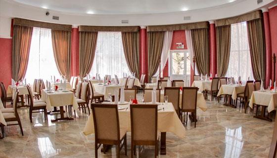 Отдых для двоих или троих с завтраками в отеле «Водопады Руфабго» в горах Адыгеи: от 2 дней с возможностью продления! Скидка до 36%