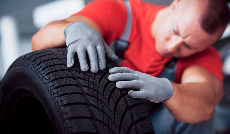 Скидка до 69% на шиномонтаж и балансировку 4 колес до R18, хранение шин в автосервисе «Питер-Well»