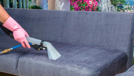 Мытье окон, химчистка мягкой мебели, ковров, а также уборка квартир или коттеджей от компании «Бэст Клининг». Скидка до 80%