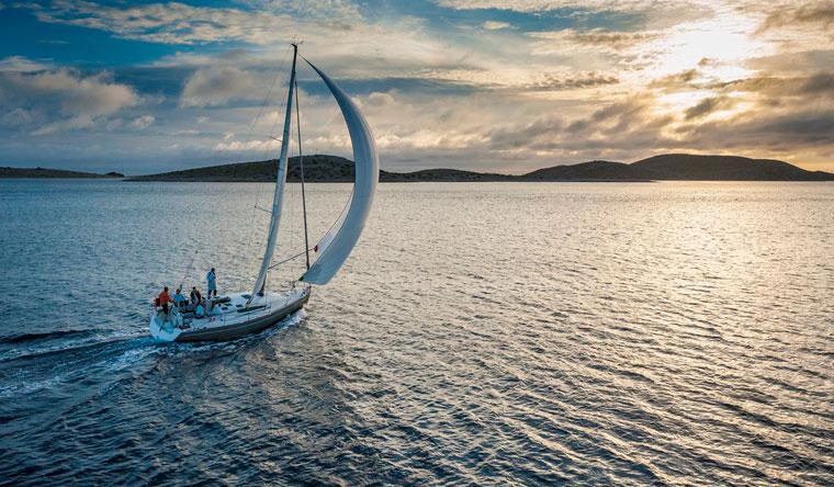 Скидка 50% на прогулку на яхте по Новосибирскому водохранилищу для компании до 4 человек от яхт-клуба Ecosail