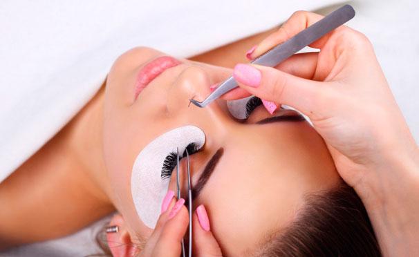 Онлайн-курсы макияжа, уход за бровями, маникюра, наращивания ногтей и восковой эпиляции от школы красоты Beauty. Скидка до 80%