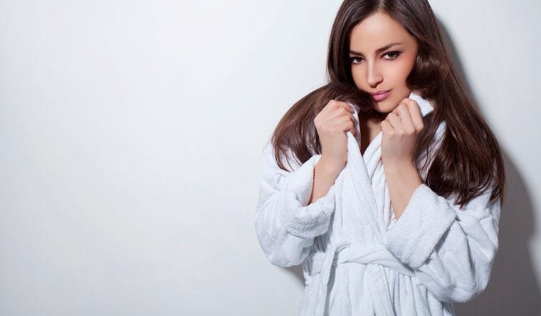 Скидка 30% на халаты, подушки, полотенца и банные наборы с вышивкой от мастерской именной вышивки Sweet Fairy