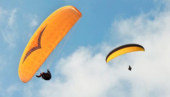 Скидка до 57% на тандемный полет на параплане с инструктором от парапланерного экстрим-клуба «Летим со мной». Скидка до 53%