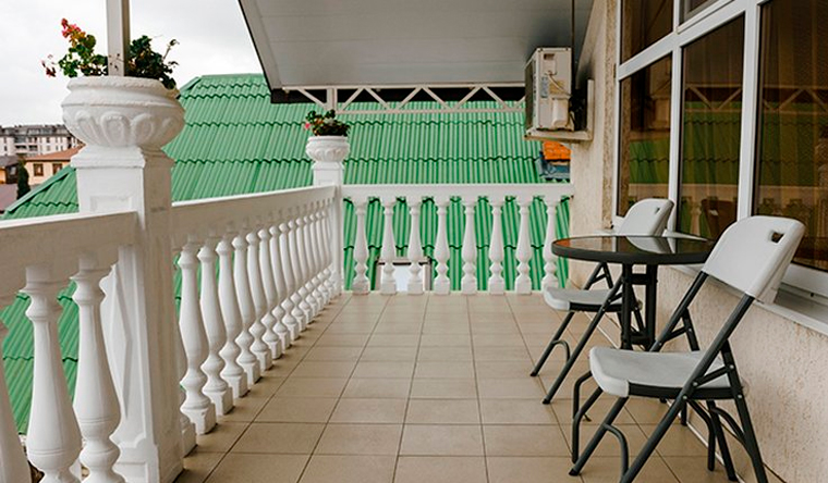 Скидка 30% на отдых для двоих, троих или четверых в номере «Стандарт» в гостевом доме «Вита» в Адлере