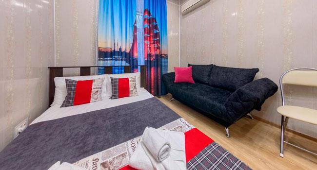 Скидка до 37% на отдых с проживанием для 2 человек в мини-отеле «Алые Паруса» на «Садовой»