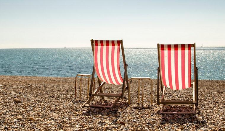 Проживание для двоих или троих в отеле Golden Rozza на берегу Черного моря: питание, бассейн, зона барбекю и многое другое! Скидка 30%