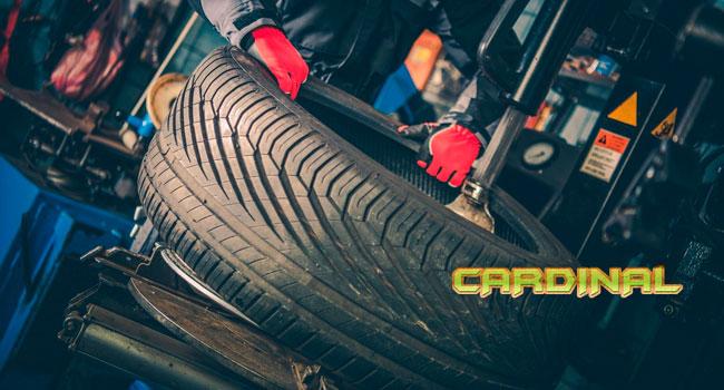 Шиномонтаж и балансировка четырех колес до R18 в автосервисе «Кардинал». Скидка 79%
