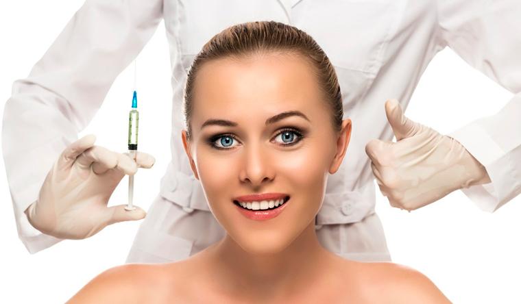 Ультразвуковая чистка лица, биоревитализация, контурная пластика, гликолевый пилинг, RF-лифтинг и многое другое в салоне красоты «Стиль + Мода». Скидка до 88%