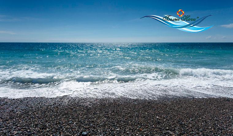 Скидка 51% на отдых для одного или двоих по программе «Осенний кураж» в санатории «Белые ночи» в Сочи: 3-разовое питание, бассейн, оздоровительная программа, собственный пляж и не только!