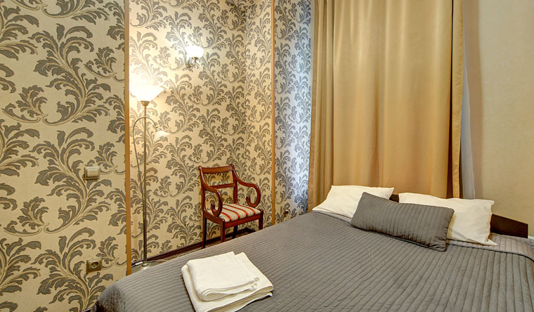 Размещение в двухместных номерах в отеле «Амбитус» в центре Санкт-Петербурга. Заезды в будни и выходные! Скидка 50%