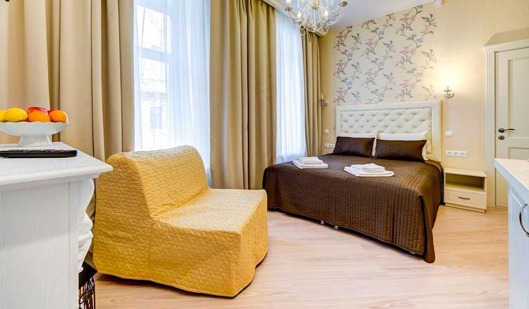 Размещение в «Гостевых комнатах на Марата, 10» в центре Санкт-Петербурга в будни и выходные. Скидка 50%