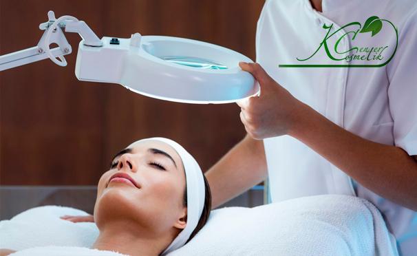 Процедуры по уходу за кожей лица в клинике эстетической медицины «Косметик Центр»: чистка и криомассаж, плазмотерапия, озонотерапия, алмазный пилинг лица, лазерная шлифовка. Скидка до 66%