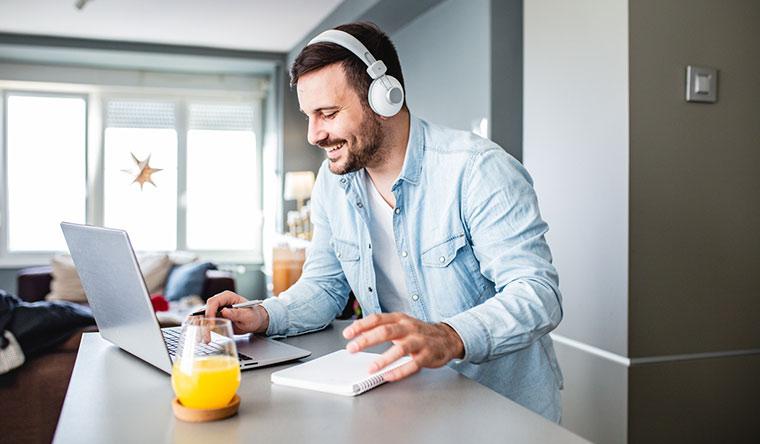 12 онлайн-курсов повышения квалификации от компании «ПрофСтандартКачество»: «Авитолог», «Настройка контекстной рекламы в Яндекс.Директ», «Мастер по ремонту цифровой техники» и многие другие! Скидка до 80%