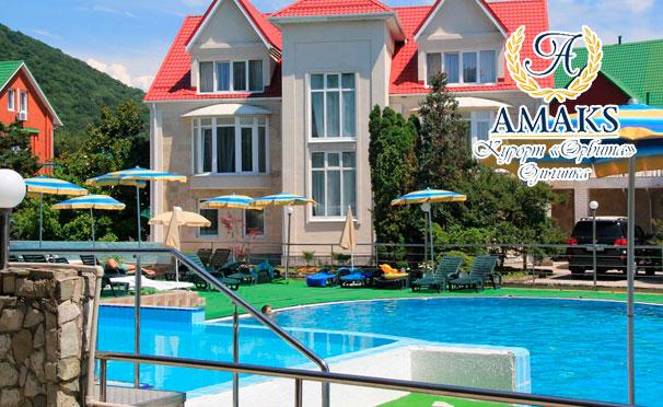 Отдых для одного или двоих на Amaks Курорте «Орбита» в Ольгинке: питание «Полный пансион», бассейн, сауна, тренажерный зал, лечебные процедуры и не только! Скидка 30%