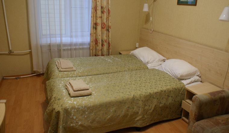 Скидка 50% на проживание в номере «Стандарт» или «Эконом» + завтраки в отеле «Большой 45» в центре Санкт-Петербурга