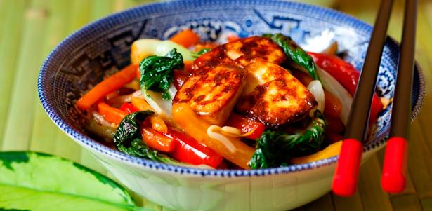 Большой выбор вкусных блюд и напитков в китайском ресторане «Золотая лошадь». Скидка до 50%