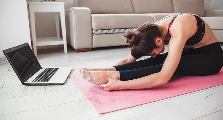 Онлайн-курсы с неограниченным доступом в виртуальной йога-студии от компании Five: «Зажимы мышц», «Йога для начинающих», «Фейс-йога», «Интимная йога», «Медитация для начинающих». Скидка до 81%